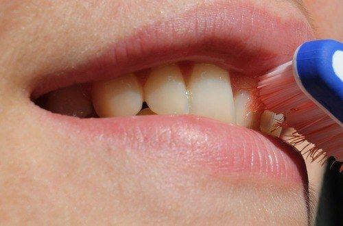 cepillado de dientes durante el embarazo